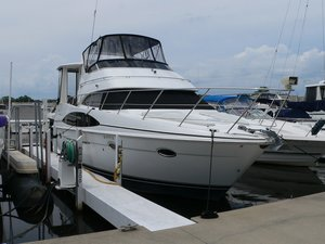 Used Carver 396 Motor Yacht Cruiser Boat For Sale