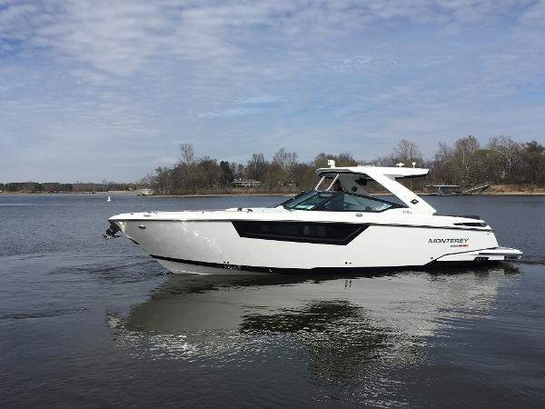 New Monterey 378SE Bowrider Boat For Sale