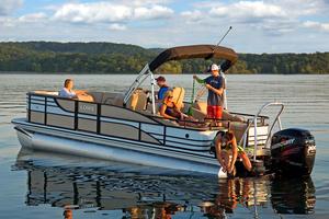 New Lowe Retreat 250 RFL Pontoon Boat For Sale