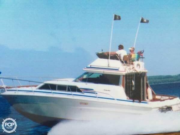 Used Sea Ray 300 Sedan Bridge Express Cruiser Boat For Sale