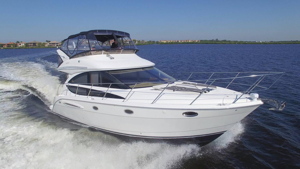 Used Meridian 391 Sedan Express Cruiser Boat For Sale