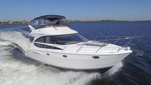 Used Meridian 391 Sedan Express Cruiser Boat For Sale