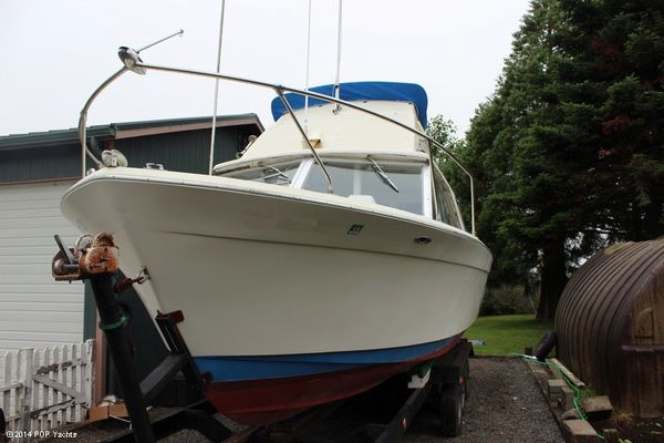 Used Chris-Craft 27 Commander Sportfisher Sports Fishing Boat For Sale
