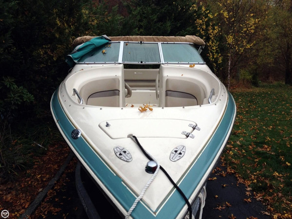 Used Larson 270 LXI Bowrider Boat For Sale