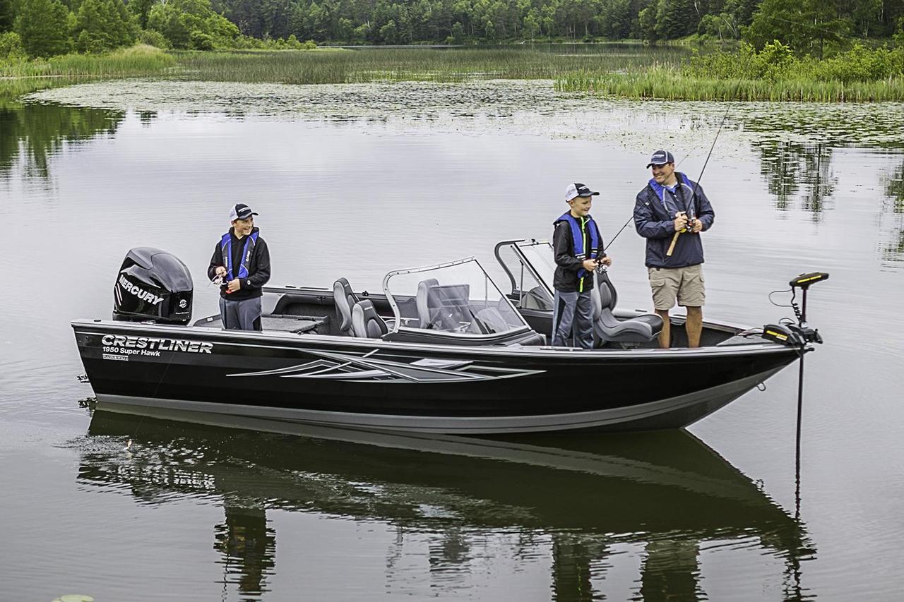 2017 new crestliner 1950 super hawk aluminum fishing boat for Fishing boats for sale mn