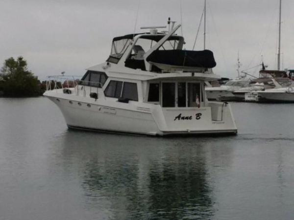 Used Navigator 5000 Classic Flybridge Boat For Sale