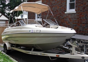 Used Glastron MX-185 Bowrider Boat For Sale