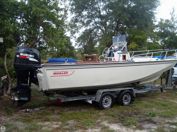 1986 used boston whaler 220 outrage center console fishing for Used fishing boats for sale in eastern nc