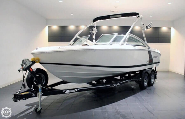 Used Cobalt 220 WSS Ski and Wakeboard Boat For Sale