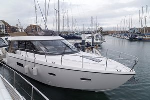 Used Sealine F42 Motor Yacht For Sale