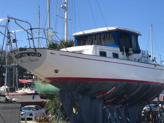Used Custom Glass Slipper Center Cockpit Classic 50 Trawler Boat For Sale