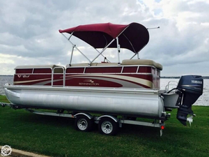 Used Bennington 2075 GLI Pontoon Boat For Sale