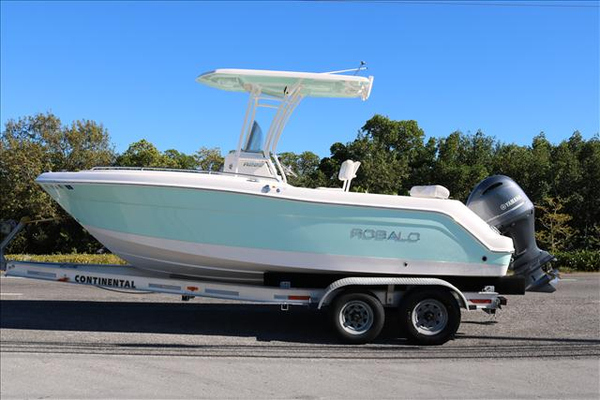 Used Robalo R222 Center Console Fishing Boat For Sale