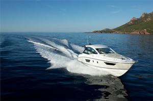 New Beneteau Gran Turismo 40 Motor Yacht For Sale