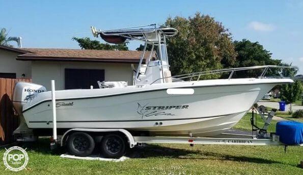 2003 used seaswirl striper 2101 cc center console fishing boat for rh moreboats com seaswirl striper 2101 owners manual Striper Seaswirl 175