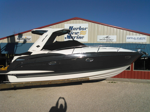 New Monterey 335 Sport Yacht Cruiser Boat For Sale