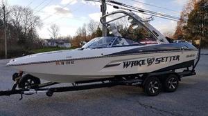Used Malibu Boats Wakesetter 22 MXZ Ski and Wakeboard Boat For Sale