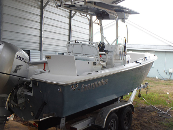 Used Everglades 211CC Center Console Fishing Boat For Sale