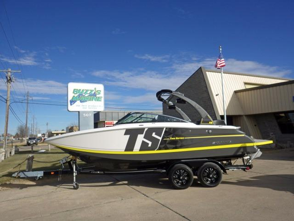 New Four Winns TS242TS242 Ski and Wakeboard Boat For Sale