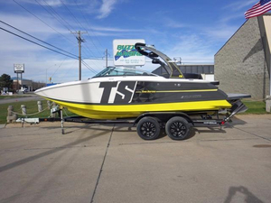 New Four Winns TS242 Ski and Wakeboard Boat For Sale
