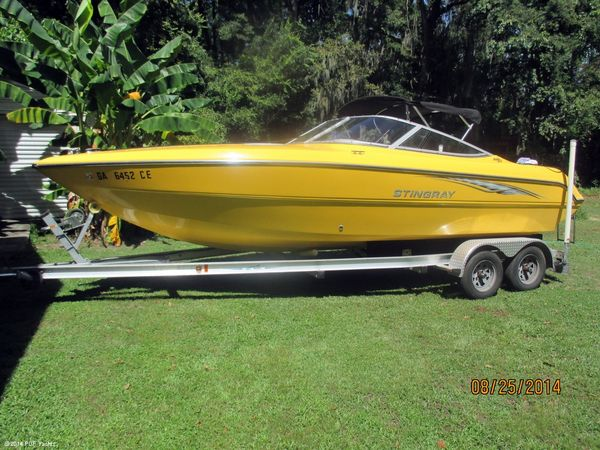 Used Stingray 220 SX High Performance Boat For Sale
