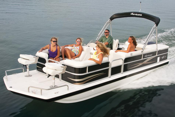 New Hurricane FunDeck 226F Deck Boat For Sale