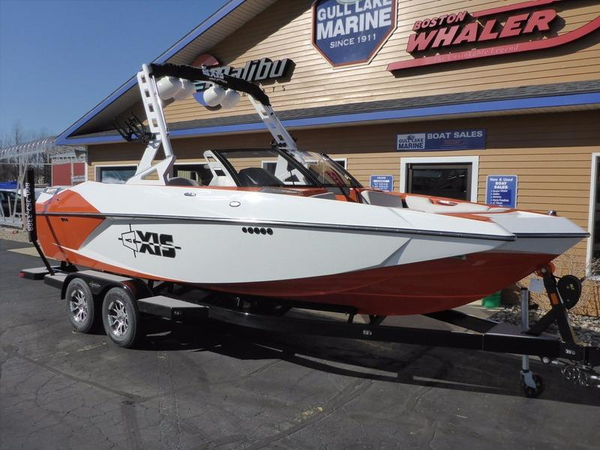 New Axis Wake Research A22 Ski and Wakeboard Boat For Sale