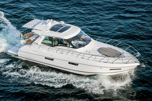 New Cruisers Yachts 48 Cantius Motor Yacht For Sale
