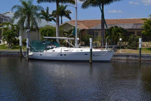 Used Beneteau 411 Center Cockpit Sailboat For Sale