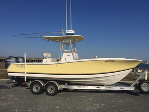 Used Regulator 24 Forward Seating Center Console Fishing Boat For Sale