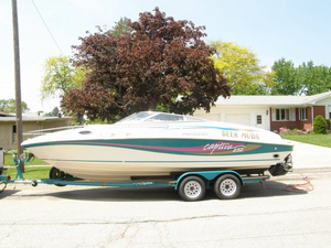 Used Rinker CAPTIVA 232 Express Cruiser Boat For Sale