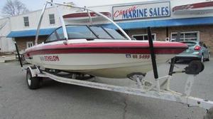 Used Malibu Boats Echelon Ski and Wakeboard Boat For Sale