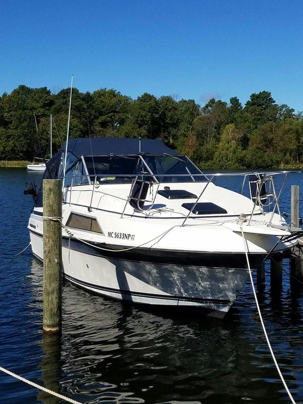 Used Carver Montego 2657 Cruiser Boat For Sale