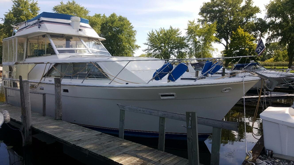 Used Pacemaker 40' Flybridge Motor Yacht Motor Yacht For Sale