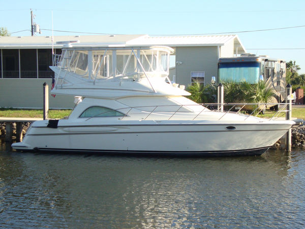 Used Maxum 4100 SCB Motor Yacht For Sale