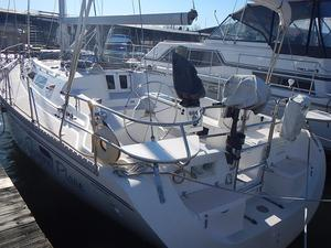 Used Catalina 400 Wing Keel Racer and Cruiser Sailboat For Sale