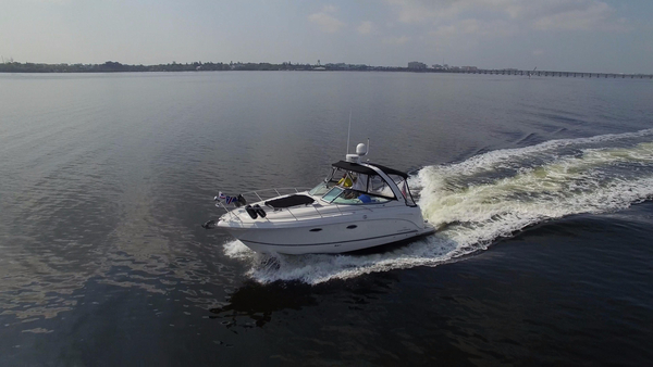 Used Chaparral 310 Signature Express Cruiser Boat For Sale