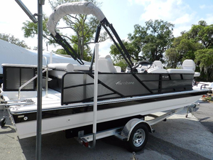 New Hurricane FD 226 REF OB Deck Boat For Sale
