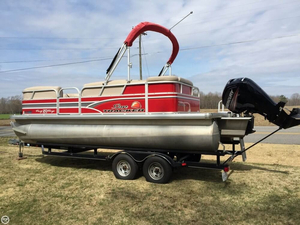 Used Sun Tracker 20 DLX Party Barge Pontoon Boat For Sale