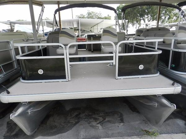 New Sweetwater Sunrise 206 F Pontoon Boat For Sale