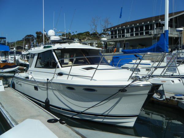Used Cutwater 28 Sedan Sports Cruiser Boat For Sale