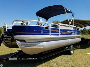 Used Sun Tracker Fishin Barge 20 DLX Pontoon Boat For Sale