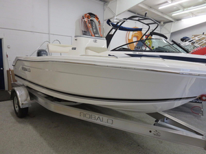 New Robalo R160 Sports Fishing Boat For Sale