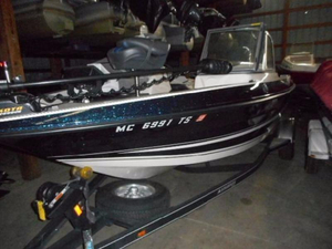 Used Stratos 386 XF Freshwater Fishing Boat For Sale