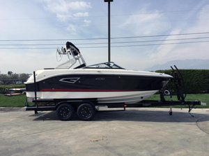 New Sea Ray SLX-W 230 Ski and Wakeboard Boat For Sale