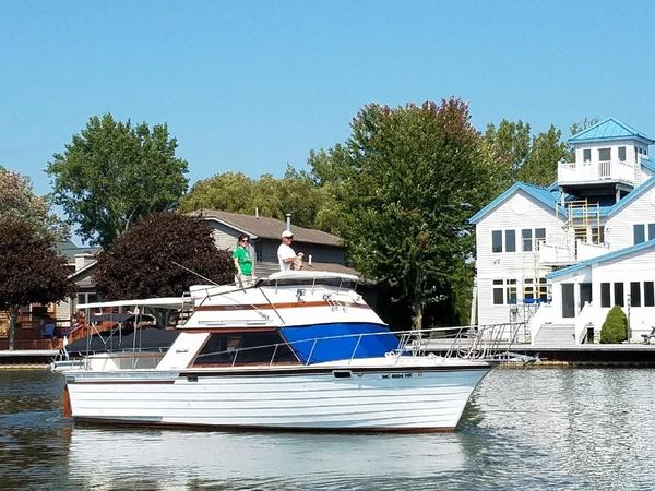 Used Skiffcraft 31 Flybridge Boat For Sale