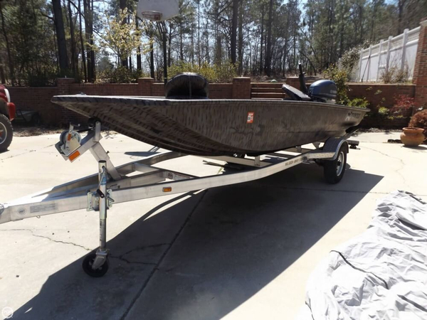 Used Express Dbx 18 Aluminum Fishing Boat For Sale