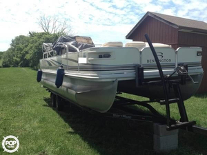 Used Bennington 2275 FSi Pontoon Boat For Sale