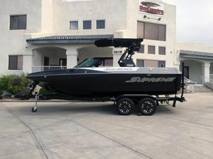 New Supreme S211 Ski and Wakeboard Boat For Sale