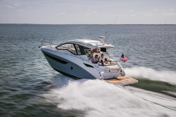 New Sea Ray 350 Sundancer Coupe Cruiser Boat For Sale